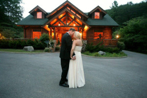 Wedding couple at Eden Crest Vacation Rentals, Inc.