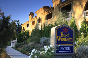 Exterior view of Best Western Dry Creek Inn Hotel.
