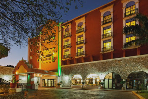 Exterior view of Holiday Inn Mérida.