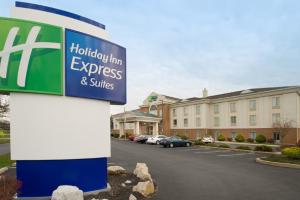 Exterior of Holiday Inn Express Chambersburg