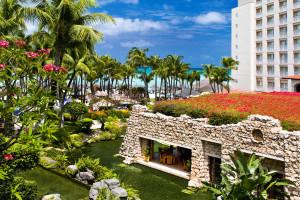 Exterior view of Hyatt Regency Aruba Resort & Casino.