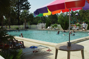 Outdoor pool at Gulf Pines RV Park.