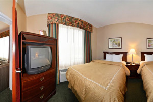 Guest room at Comfort Suites - Twinsburg.
