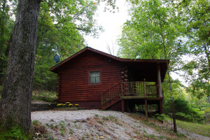 Cabin exterior at Ozark Cabins.