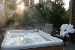 Outdoor whirlpool at Long Beach Lodge Resort.