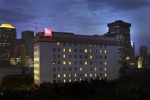 Exterior view of Arcadia Hotel.