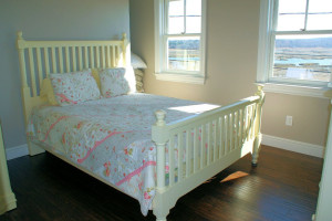 Cottage bedroom at Beach Realty.