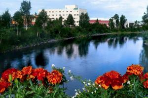 Exterior view of Bridgewater Hotel.