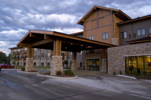 Exterior view of Kings Pointe Resort.
