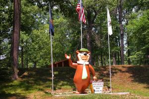 Yogi Bear statue at Yogi at Shangri-La.