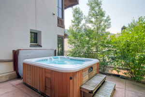 Rental hot tub at Beaver Creek Rentals by Owner.