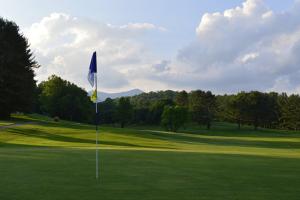 Black Mountain Golf Course near Greybeard Rentals.