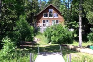 Cabin exterior at Glenwood Lodge.
