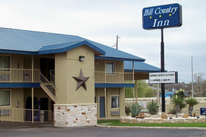 Exterior view of Hill Country Inn.