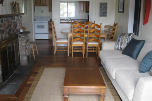 Cottage living room at Glen Craft Marina and Resort.