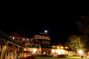 Exterior view of Gananoque Inn.