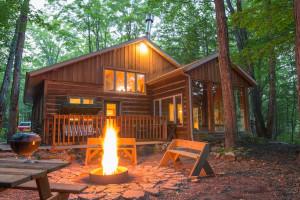 Cabin exterior at Door County Cottages.