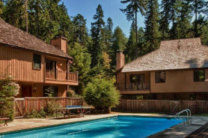 Outdoor pool at Alta Crystal Resort at Mt. Rainier.