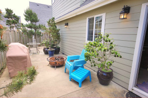 Rental patio at Shorepine Vacation Rentals.
