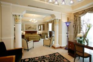 Guest suite at Carlton Hotel Baglioni.