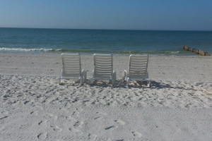 Relax at shoreline Island Resort.