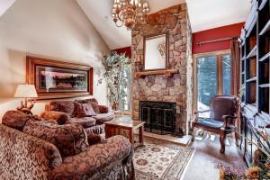 Rental living room at Wildwood Suites.