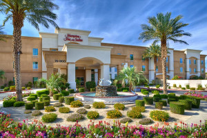 Exterior view of Hampton Inn & Suites Desert Palm.