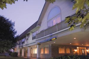 Exterior view of The Farmington Inn.