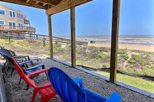 Rental porch at Port Aransas Escapes.