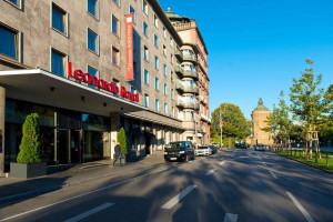 Exterior view of Leonardo Royal Hotel Mannheim.