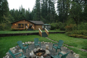 Exterior view of Cedar Cabin on the Creek.