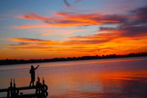 Sunset at Lake Dalrymple Resort.