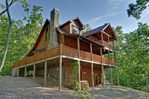 Cabin exterior at Mountain Top Cabin Rentals.