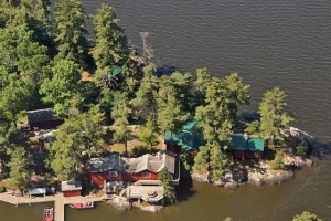 Aerial view of Duck Bay Lodge.