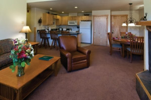 Grand Timber Lodge guest room at Breckenridge Discount Lodging.
