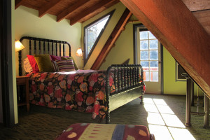 Vacation rental bedroom at Blackthorne Inn.