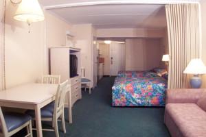 Guest room at Sea Hawk Motel.