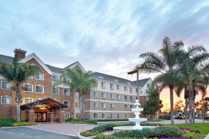 Exterior view of Staybridge Suites San Diego Sorrento Mesa.