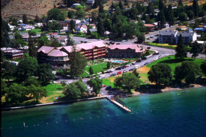 Aerial view of resort at Lakeside Lodge & Suites.