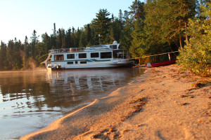 Exterior view of Rainy Lake Houseboats.