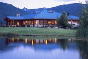 Exterior View of Mount Shasta Resort