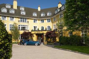 Exterior view of Killarney Park Hotel.