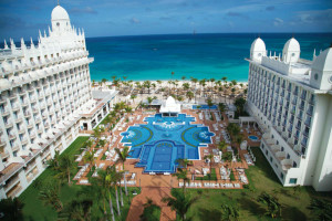 Exterior view of Hotel Riu Palace Aruba.