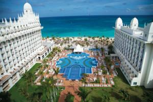 Exterior view of Hotel Riu Palace Aruba.