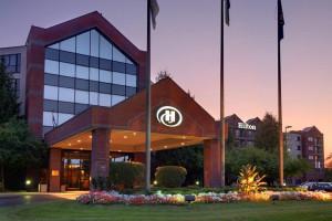 Exterior view of Hilton Suites Auburn Hills.