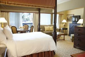 Guest room at Sportsmen's Lodge Hotel.