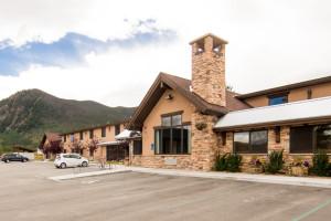 Exterior view of Alpine Inn.