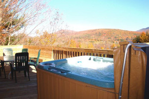 Outdoor hot tub at Cuomo's Cove.