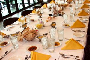 Fine dining at Holiday Inn Resort.