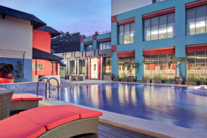Outdoor pool at Ibis Kemayoran.